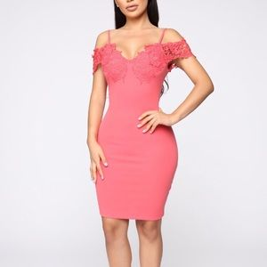 Fashion Nova Coral dress size large. Worn once.